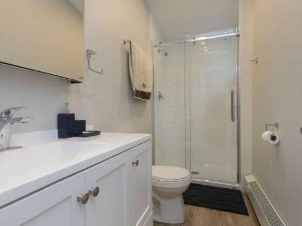 2-254 Collingwood St. - Bathroom 1