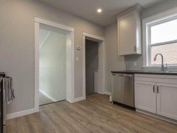 2-254 Collingwood St. - Kitchen