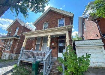 Kingston Ontario Student House