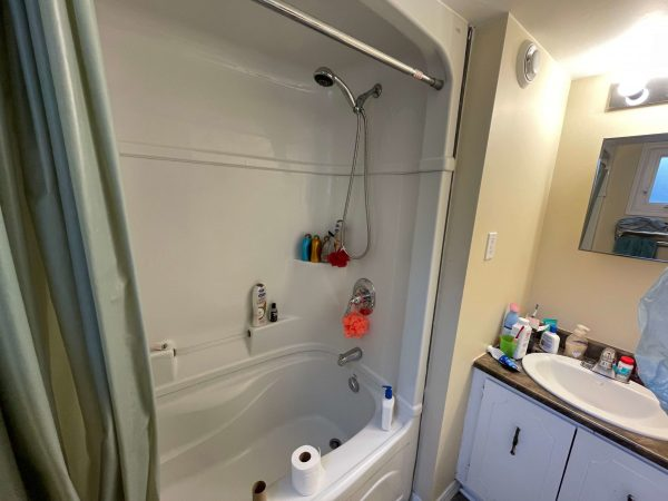 B-276 Victoria Bathroom 1